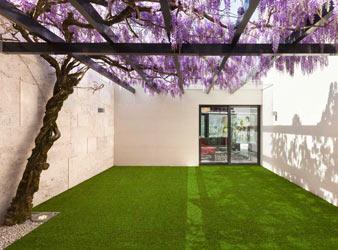 Umělý trávník
